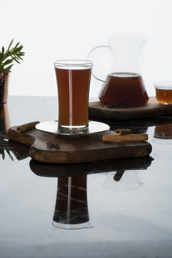 Türkisches traditionelles kaltes Getränksorbett Das Sorbett ist ein köstliches, gesundes Getränk, das indem es frische Früchte er stockfotografie