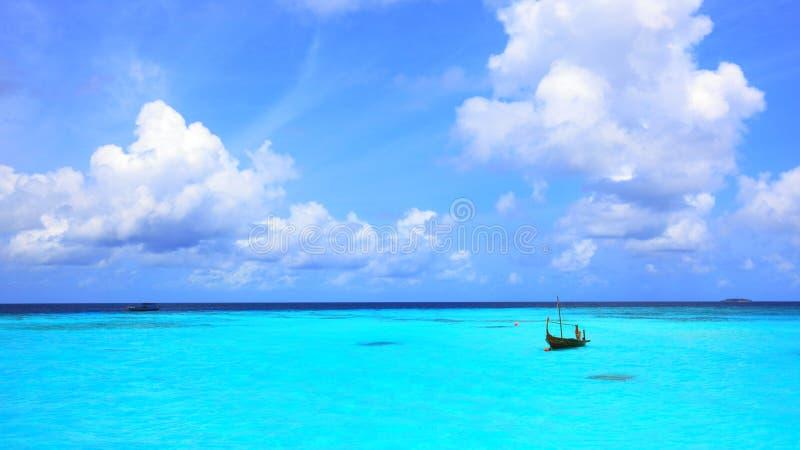 Türkislagune bei Maldives stockbilder