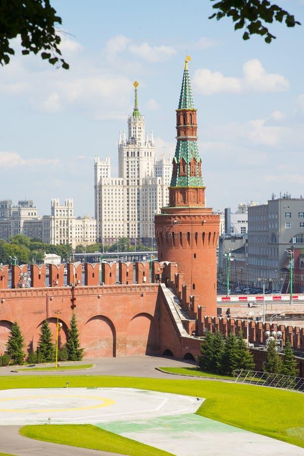 Türme Moskau der Kreml im Solarwetter stockfoto