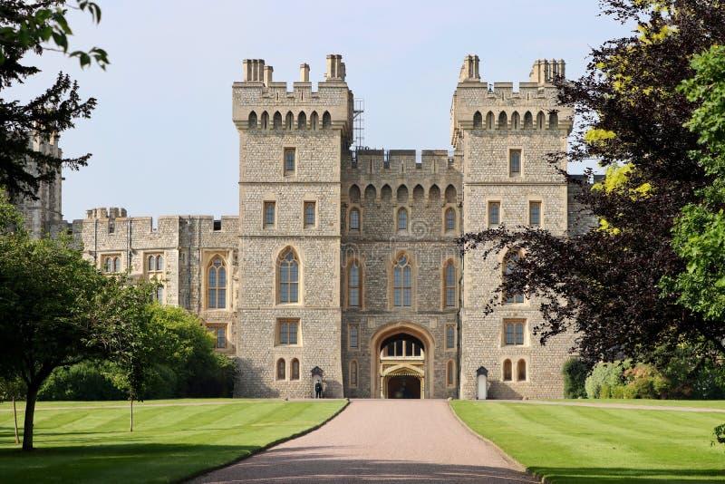 Türme von Windsor Castle in London, Großbritannien lizenzfreies stockbild