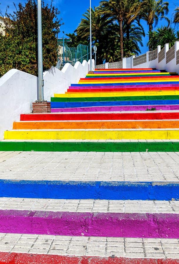 Tęcza kolor malował schodki plażowy Playa Torrecilla w Nerja, Andalusia, Costa Del Zol, Hiszpania obrazy royalty free