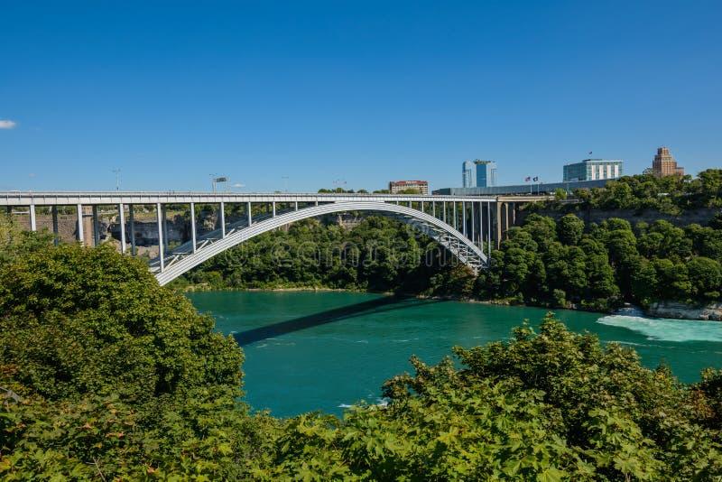 Tęcza most na granicie Kanada i Stany Zjednoczone zdjęcie stock