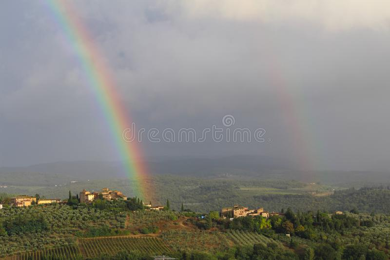 Tęcza nad Chianti wzgórza, Tuscany, Włochy zdjęcie stock