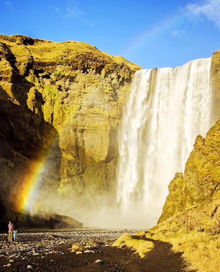 Tęcza przy Skogafoss siklawą Iceland zdjęcia royalty free