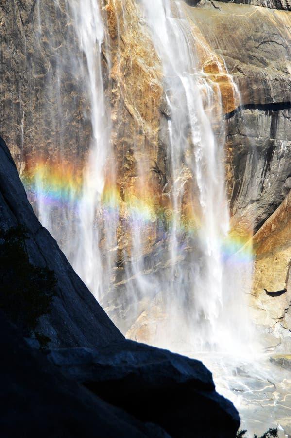 Tęcza w Yosemite siklawie obraz royalty free