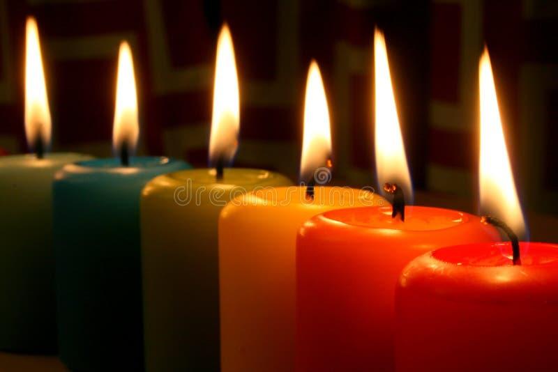 tęczowe świece. fotografia stock