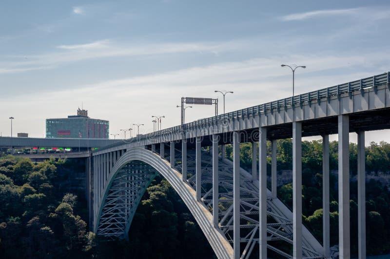 Tęczy Bridżowy przejście graniczne przy Niagara Spada, Ontario, Kanada zdjęcia royalty free