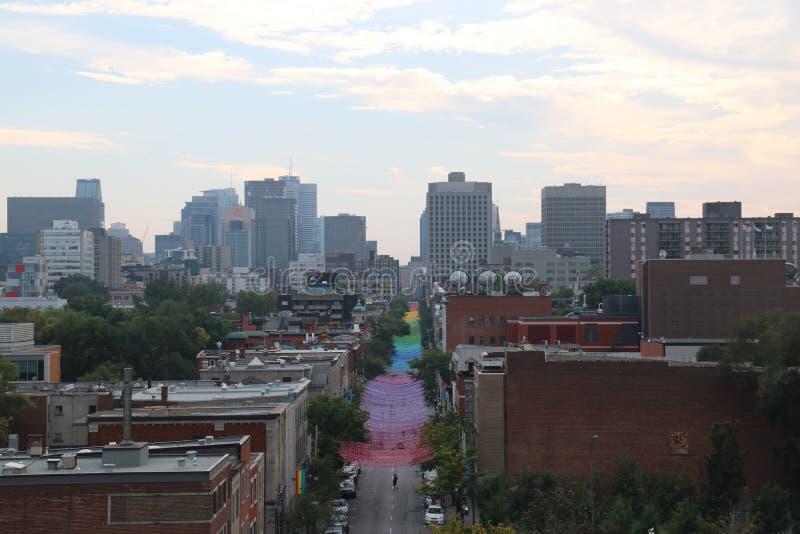 Tęczy ulica, pejzaże miejscy Montreal fotografia stock