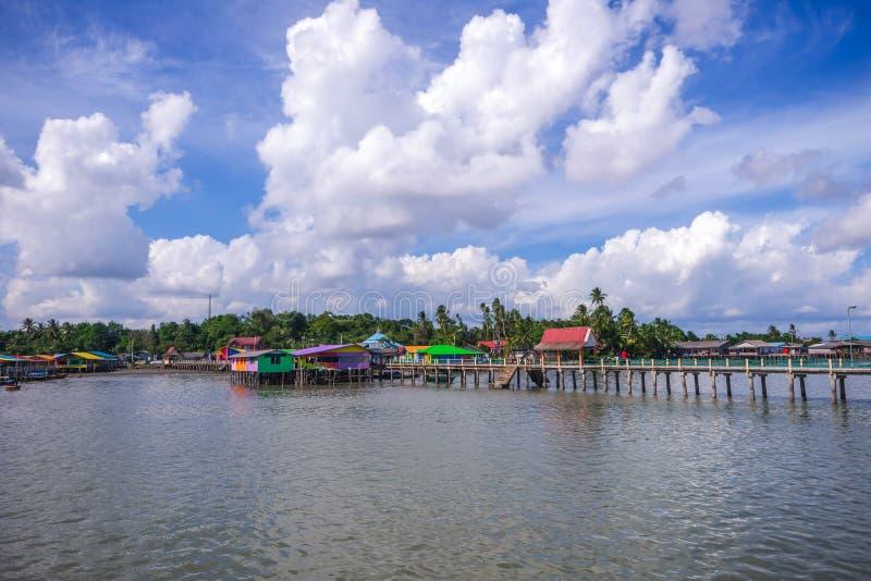Tęczy wioska przy tanjung pinang bintan wyspą obraz stock