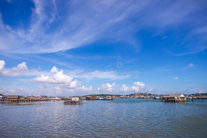 Tęczy wioska przy tanjung pinang bintan wyspą obraz royalty free