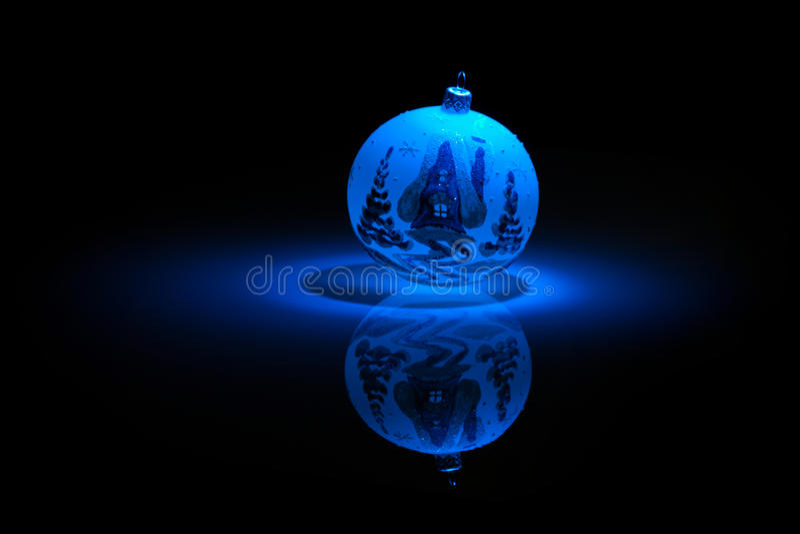 tła bauble czerń błękit płatek śniegu zdjęcia stock