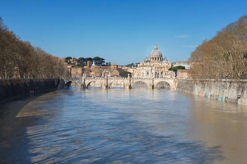 tła bazyliki bernini miasta fontanny Peter Rome s kwadratowy st Vatican bazyliki Peter s st Panoramiczny widok Rzym i St obraz royalty free
