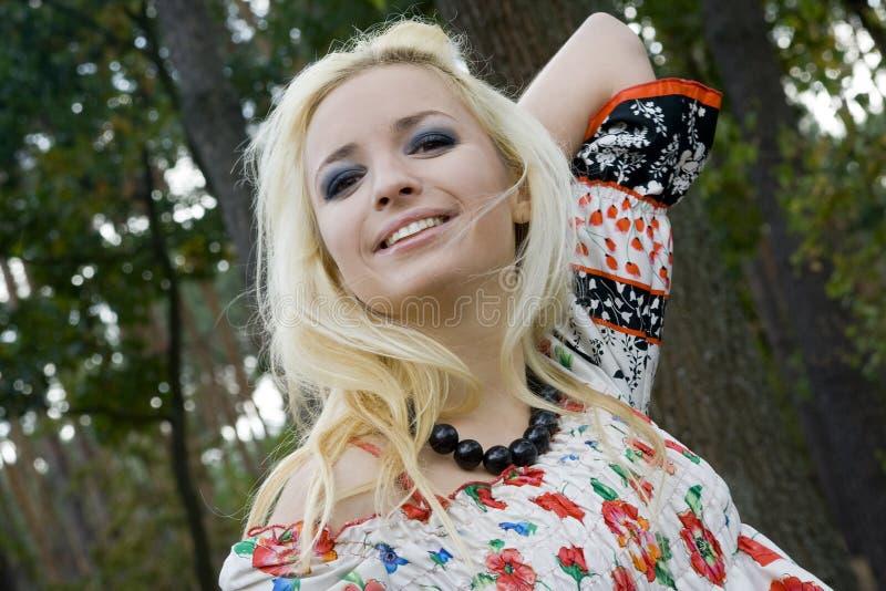 tła blondynki parka drzew kobiety potomstwa obrazy royalty free