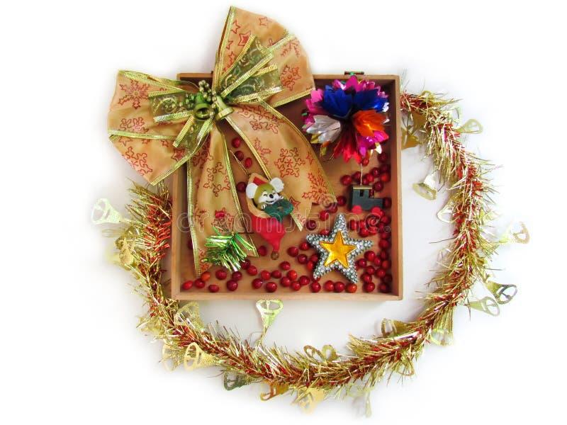 tła bożych narodzeń biały wianek Złocisty faborek i decorati zdjęcia royalty free