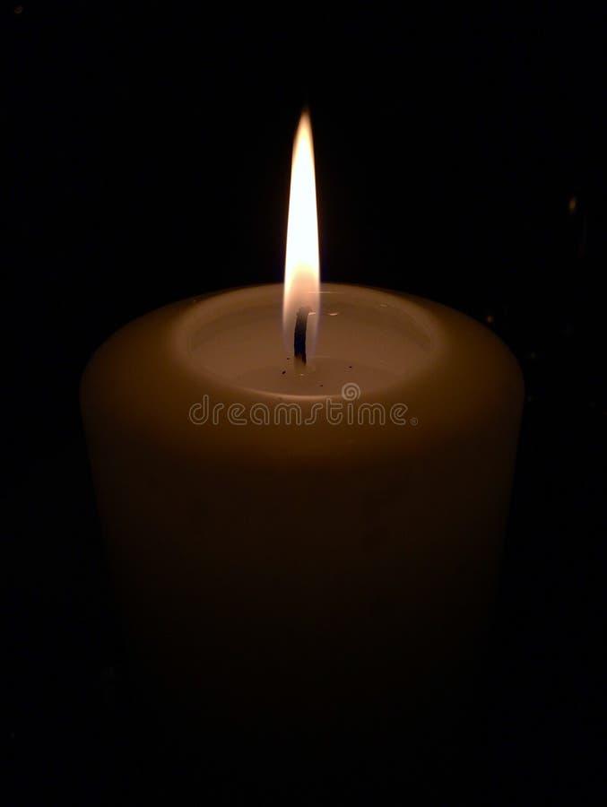 tła czarny świeczki płomień pojedynczy fotografia stock