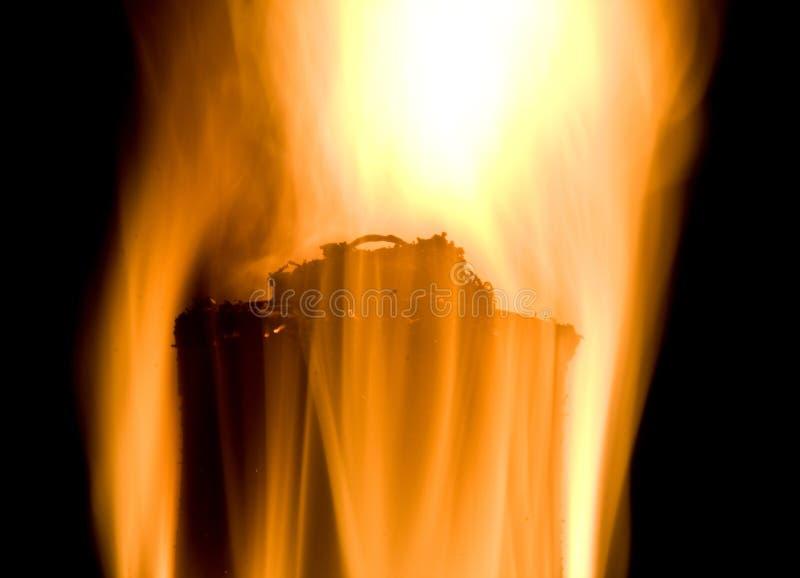 tła czerń ogienia płomień nad pochodnią fotografia royalty free