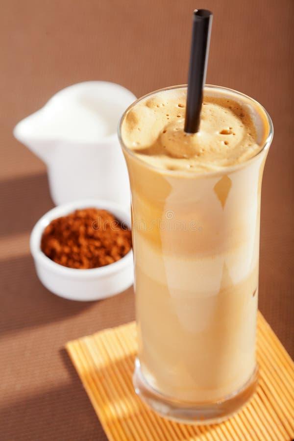 tła kawowego frappe odosobniony biel fotografia royalty free
