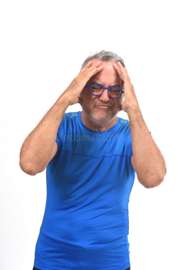 tła migreny mężczyzna strzału pracowniany biel obrazy royalty free