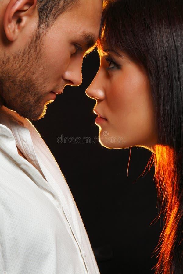 tła pary ciemna miłość obraz stock