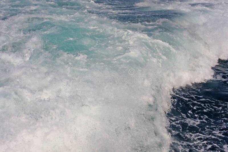 Tła woda od oceanu z falą fotografia stock