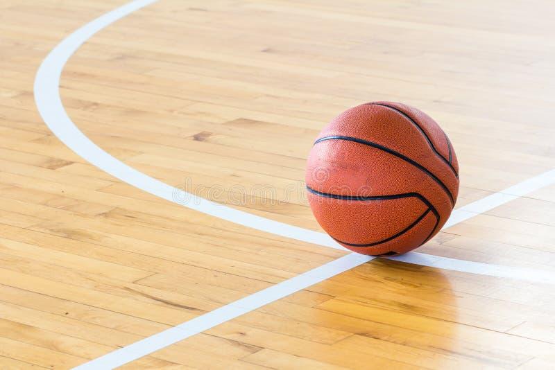 tło białe odosobnione balowej koszykówki zdjęcie royalty free