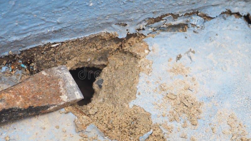 Tło budowy plamy DIY naprawiania krok wodna drymba jest fotografia royalty free