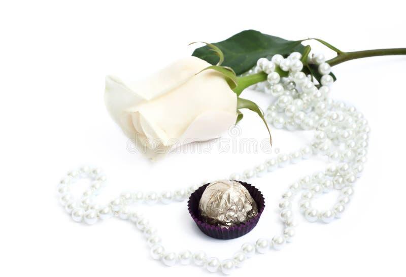 tło cukierki perełkowi romantyczni różani zdjęcia stock