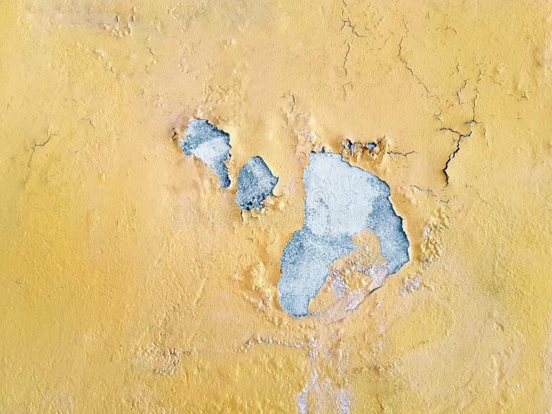 Tło Grungy łupa koloru żółtego ściany tekstura obraz royalty free