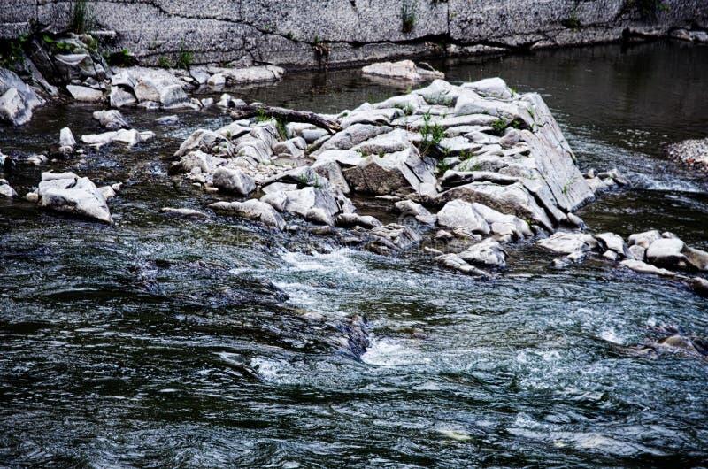 Tło kamienne góry w na wolnym powietrzu w Carpath zdjęcie royalty free