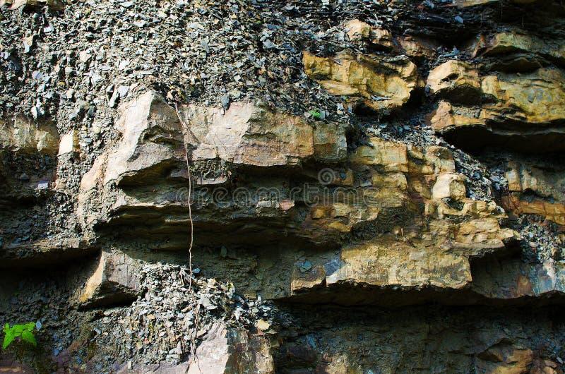 Tło kamienne góry w na wolnym powietrzu w Carpath fotografia royalty free