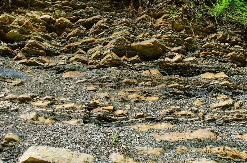 Tło kamienne góry w na wolnym powietrzu w Carpath fotografia stock