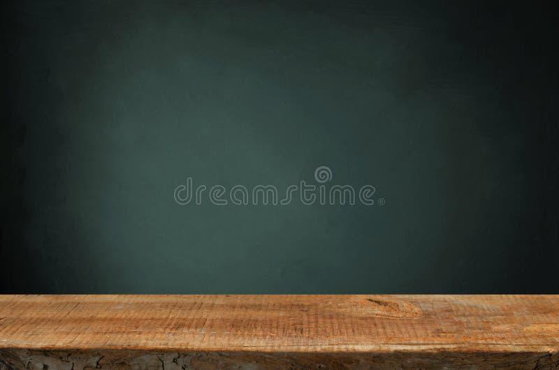 Tło lufowy i przetarty stary stół drewno obraz royalty free