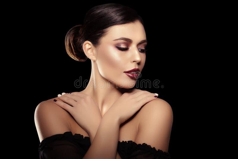 tło murzynka Piękny jaskrawy moda model bea obrazy stock