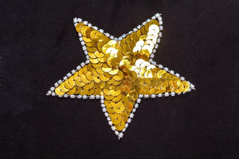 Tło projektanta świąteczna tkanina haftował cekiny, cekiny, koraliki obraz stock