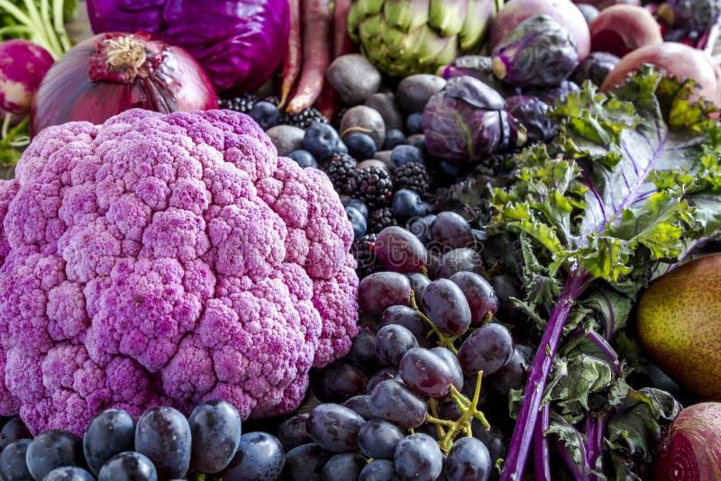 Tło purpurowi warzywa i owoc obraz stock