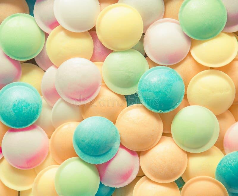 Tło tekstura robić wiele round cukierki obrazy stock