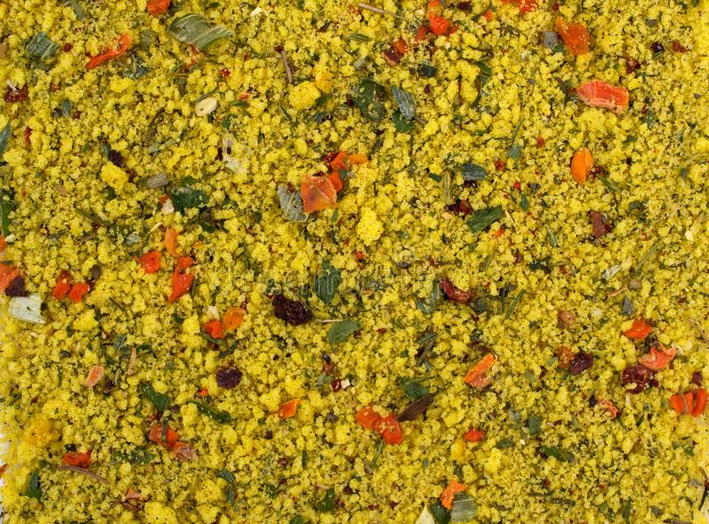 tło tekstury stara ceglana ściana Żółta pikantności mieszanka Pikantność składać się z wysuszonych odwodnionych warzywa obrazy stock