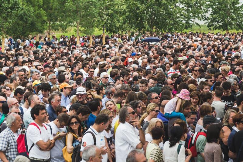 Tłum przy expo 2015 w Mediolan, Włochy fotografia royalty free