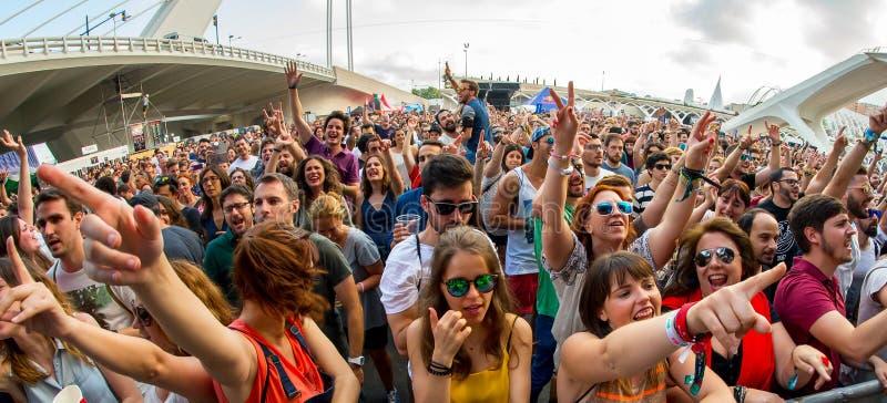 Tłum przy festiwalem De Les Sztuka zdjęcie stock