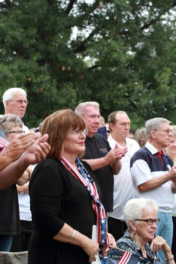 Tłum przy Save Nasz Przecinający wiec, Knoxville, Iowa fotografia stock