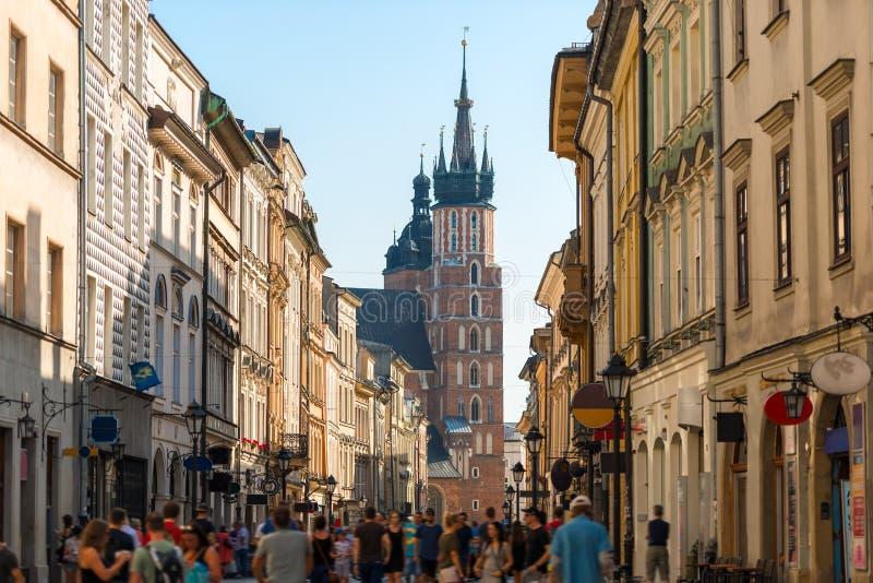 Tłum turyści na Florian ulicie, widok Mariinsky Chu obrazy stock