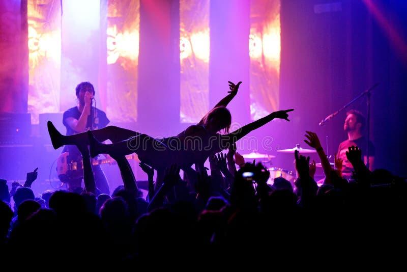 Tłum w rockowym koncercie przy Primavera dźwięka 2017 festiwalem obrazy stock