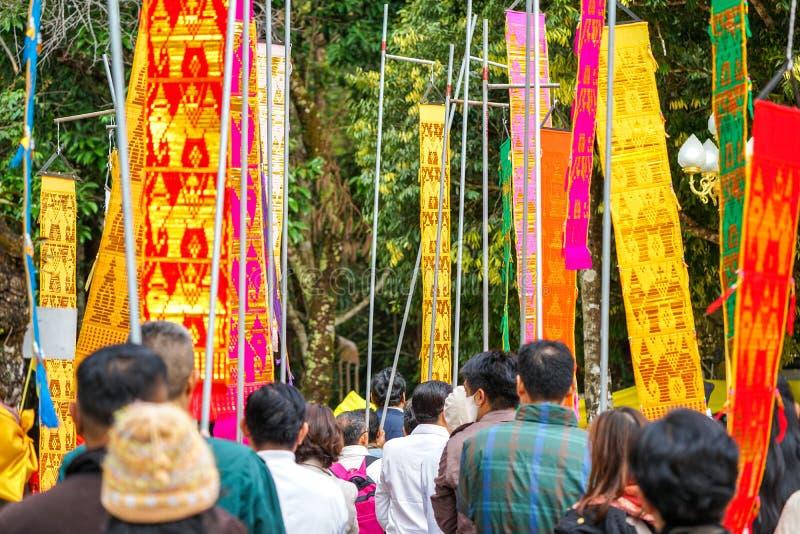 tłum w Tung fladze wokoło zdjęcia stock