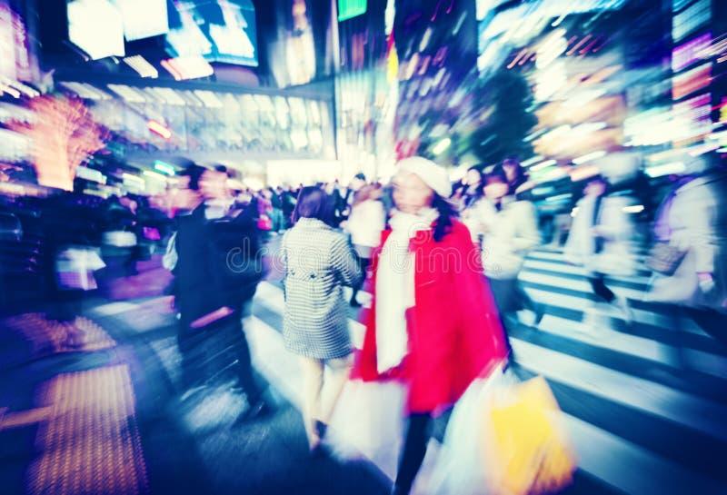 Tłumu zakupy miasta godziny szczytu Konsumpcyjny pojęcie obrazy stock