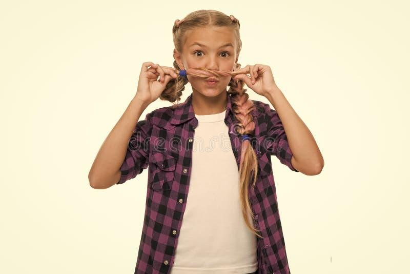 t Концепция волос на лице Девушка длиной заплетает белую предпосылку Оплетка Kanekalon Держите стиль причесок заплетенный для стоковые изображения rf