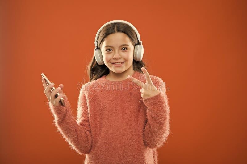t 该当a听的最佳的音乐应用程序 r 免版税库存图片
