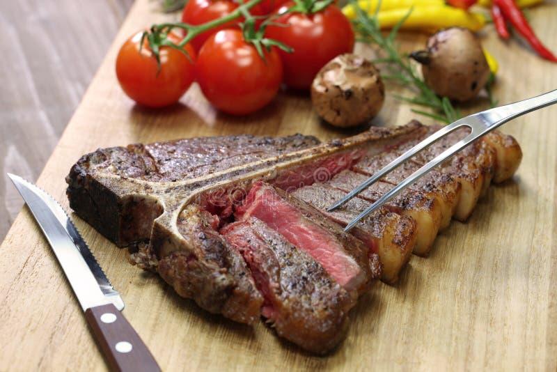 T-Bone-Steak stockbilder