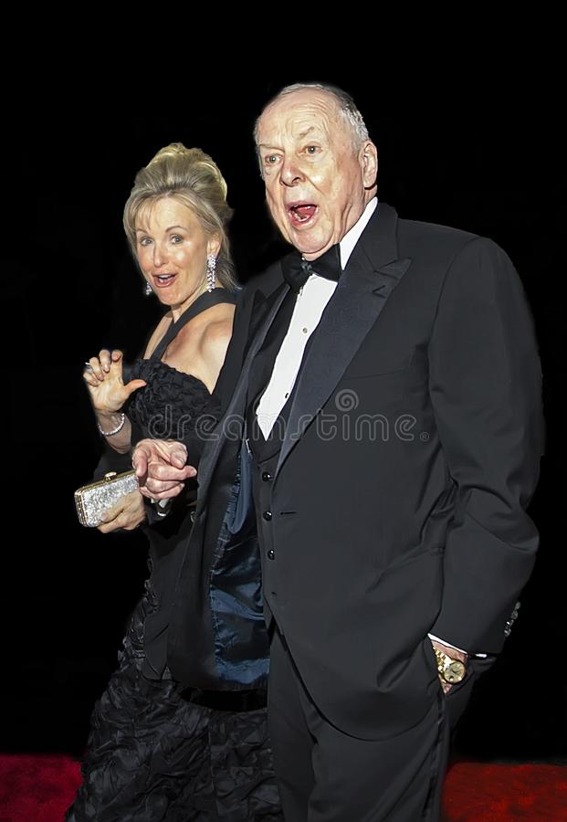 T Boone Pickens and Toni Brinker Arrive at 2016 Time 100 Gala royalty-vrije stock afbeelding