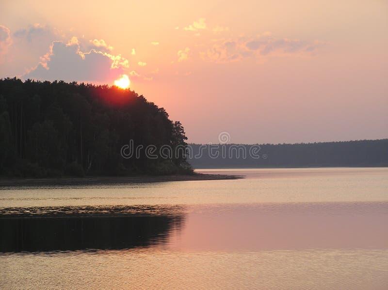 ?t? Coucher du soleil au-dessus du lac image libre de droits