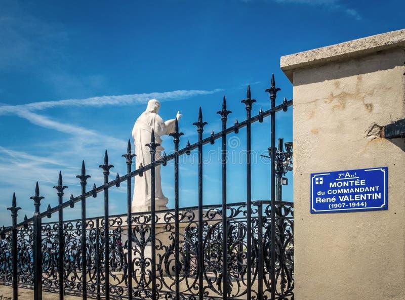 T a entrada de Notre Dame de la Garde, Marselha, França imagem de stock royalty free